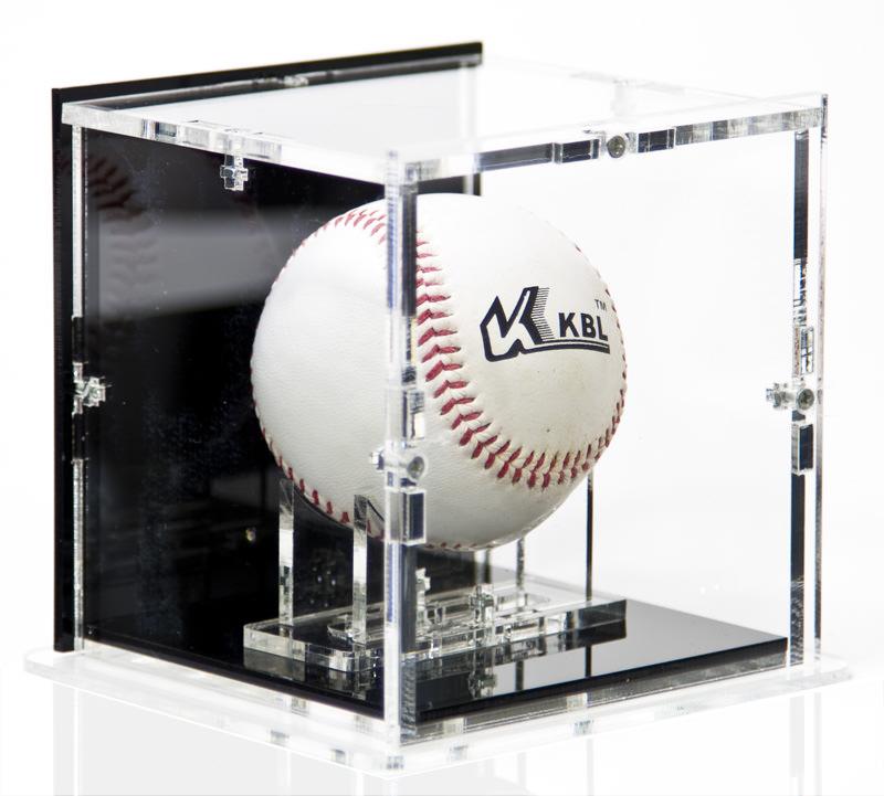 Die Baseball Case in Seitenansicht