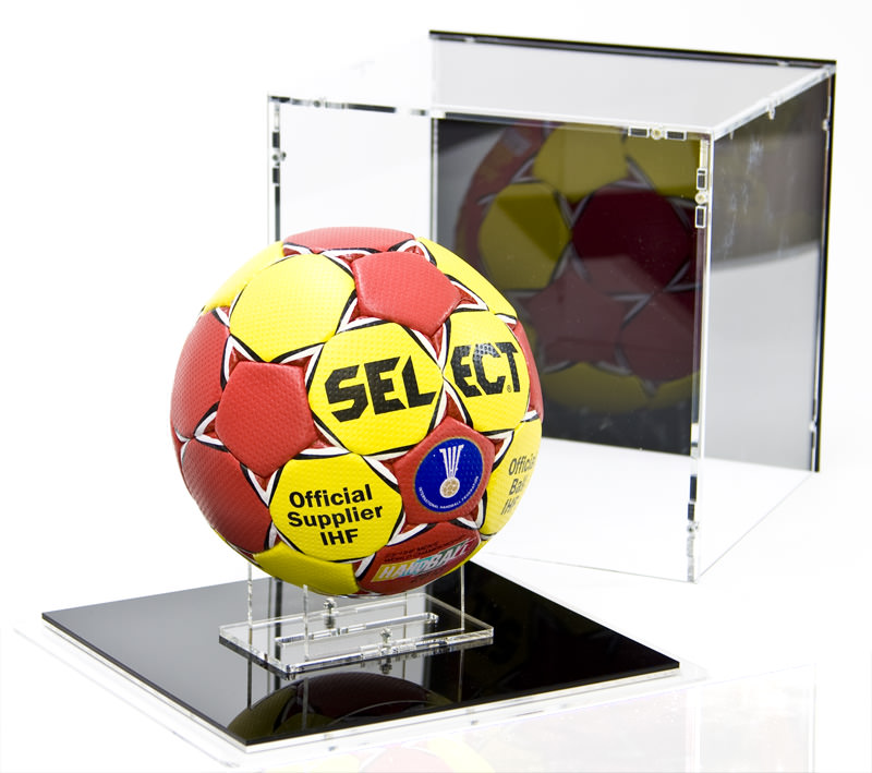 The Handball Case and the Ball Stand