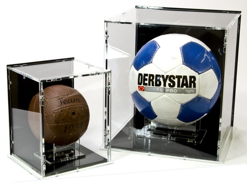 Die Fussball Vitrine und die Mini-Fussball Vitrine